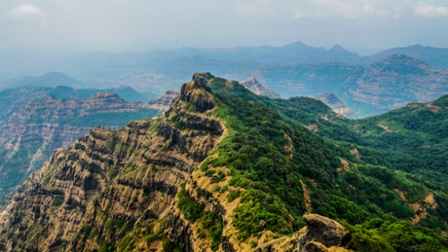 best places to visit in India with friends is Mahabaleshwar
