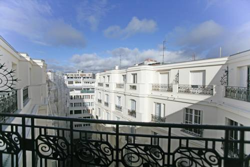 Studio Le Marois   Porte De Saint Cloud  Paris  Use Coupon Code     27344271