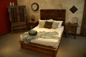 Saratoga Bed
