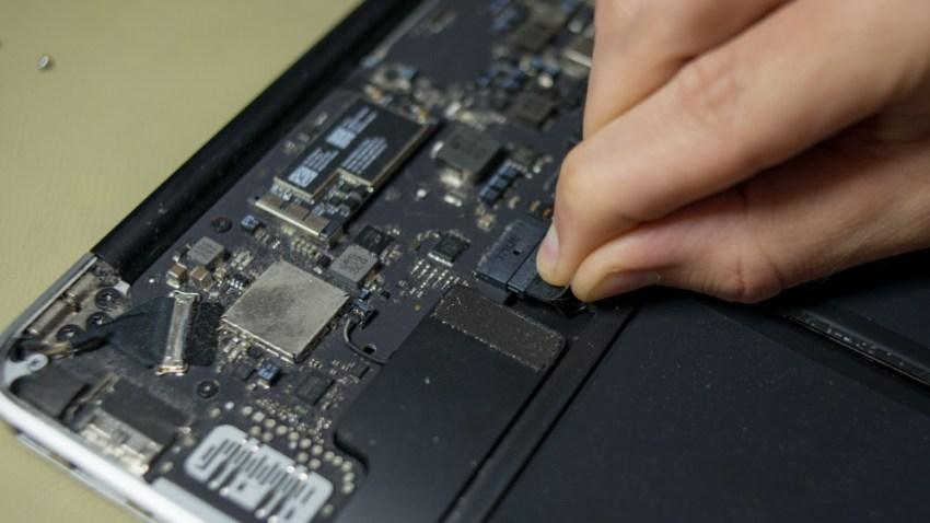 шлейф аккумулятора MacBook