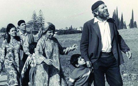 סאלח שבתי הוא סרט קולנוע קומי ישראלי בבימויו של אפרים קישון ובכיכובו של חיים טופול, שיצא בשנת 1964. זהו הסרט הישראלי הראשון שהועמד לזכייה בפרס אוסקר לסרט הזר הטוב ביותר והראשון שזכה בפרס גלובוס הזהב לסרט הזר הטוב ביותר. מאוחר יותר הופק גם כמחזמר.
