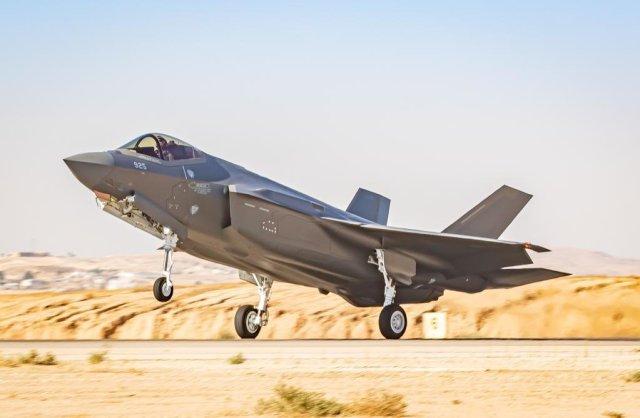Két új F-35-ös vadászgéppel bővült a légierő arzenálja