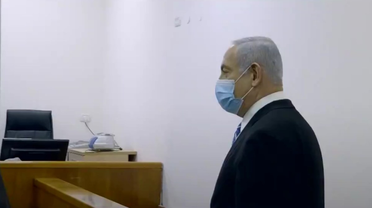 Izrael Állam kontra Benjamin Netanjahu – elkezdődött a miniszterelnök korrupciós pere