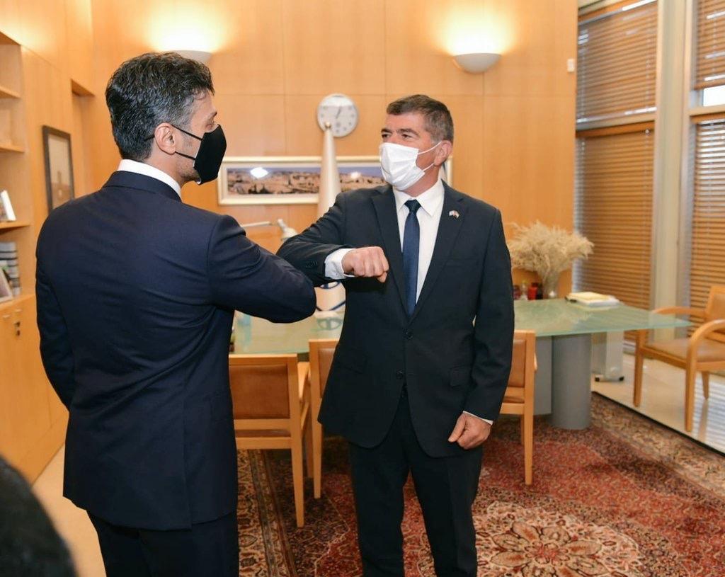 Askenázi és Rivlin üdvözölte az Egyesült Arab Emírségek első izraeli nagykövetét