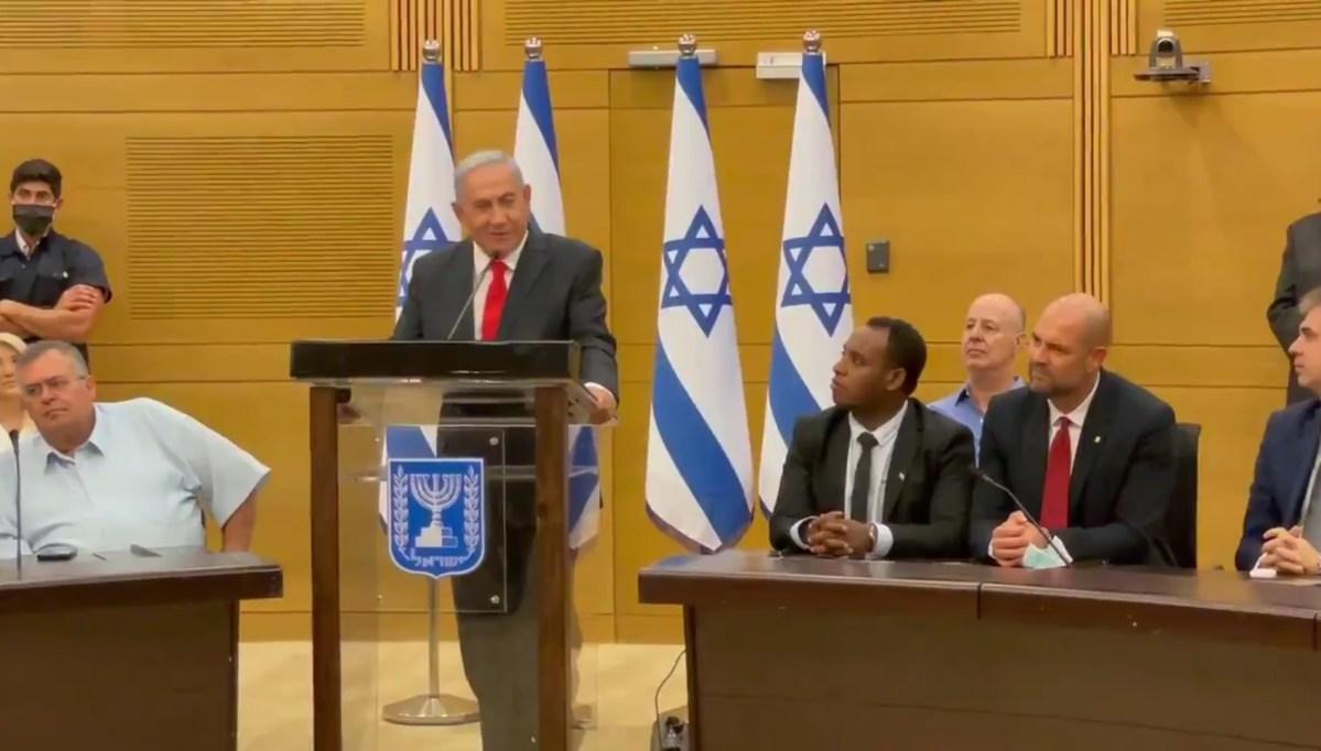 Netanjahu állítólag illegális módon iratok megsemmisítését rendelte el, mielőtt Bennett hivatalba lépett   Új Kelet online