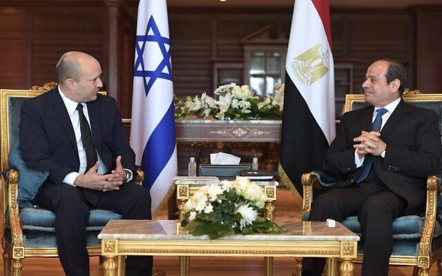 Bennett találkozott Szíszi elnökkel, 10 év után először látogatott izraeli miniszterelnök Egyiptomba | Új Kelet online