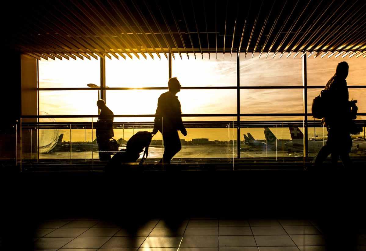 A Ben Gurion repülőtéren diagnosztizált COVID-esetek többsége az umani zarándoklatról érkezett haza   Új Kelet online