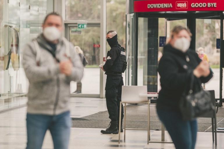 GALÉRIA: Kinyitottak a boltok és plázák