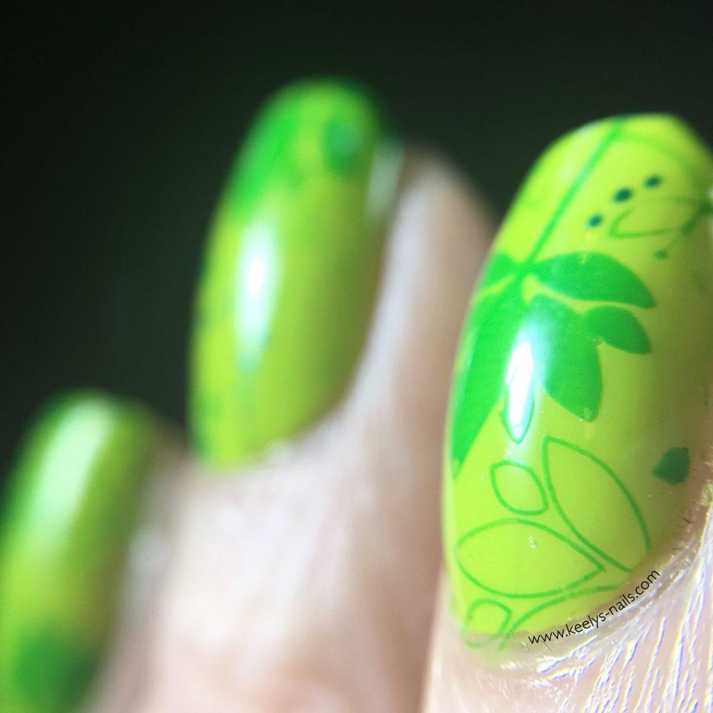 Nail Art with Greenery   UK Bloggers