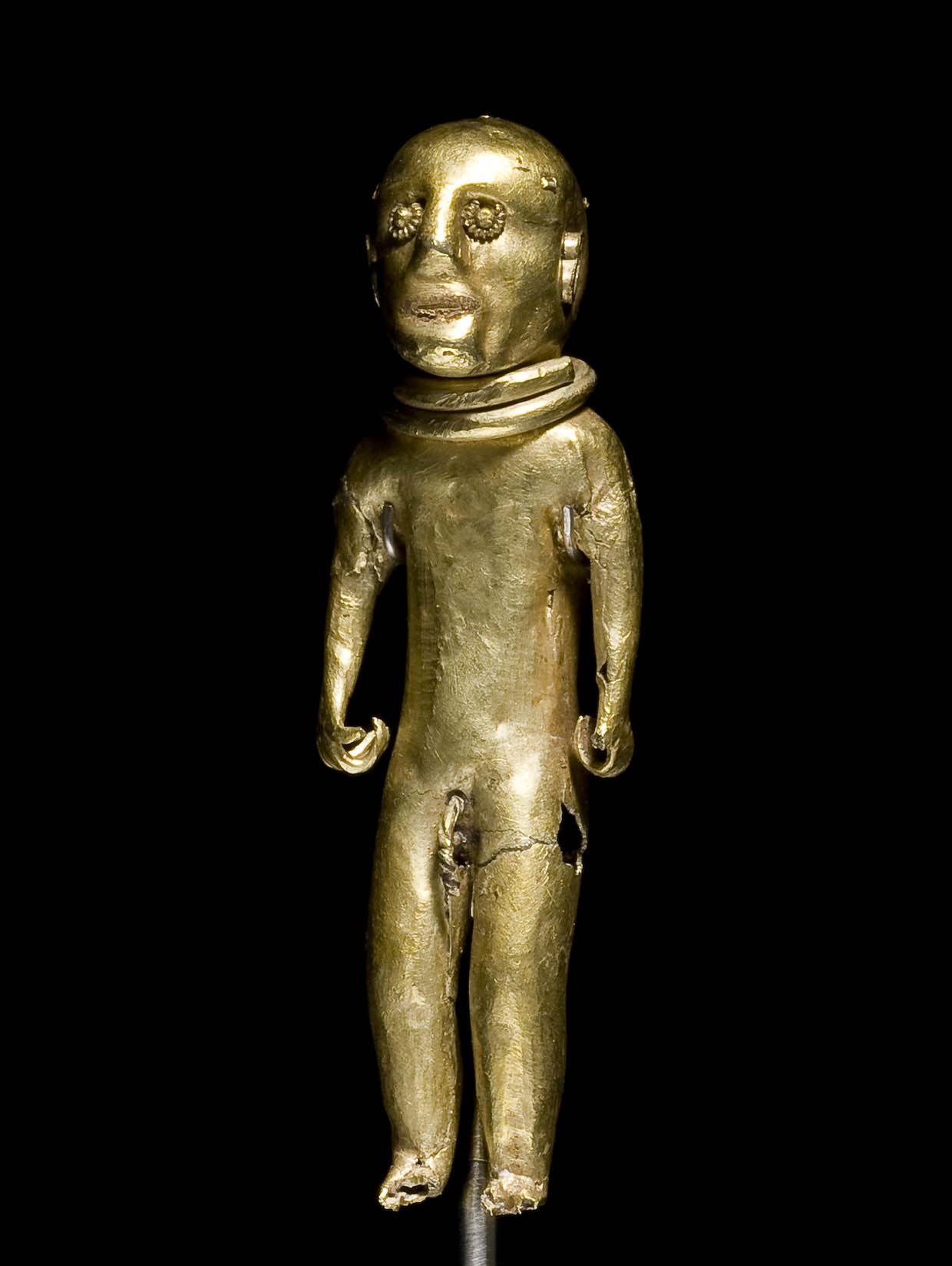 Gold statuette from Slipshavn, 500 BC – 1050 AD. The National Museum of Denmark. Photo: Roberto Fortuna og Kira Ursem