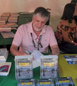 H.L.Guerra signing books at The Miami International Book Fair 2016