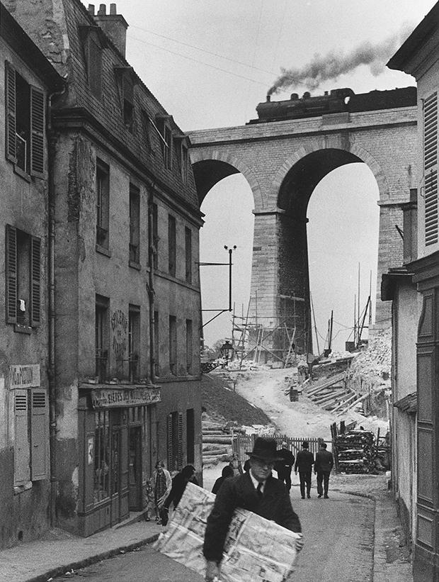 Meudon, France, 1928 - Andre Kertesz