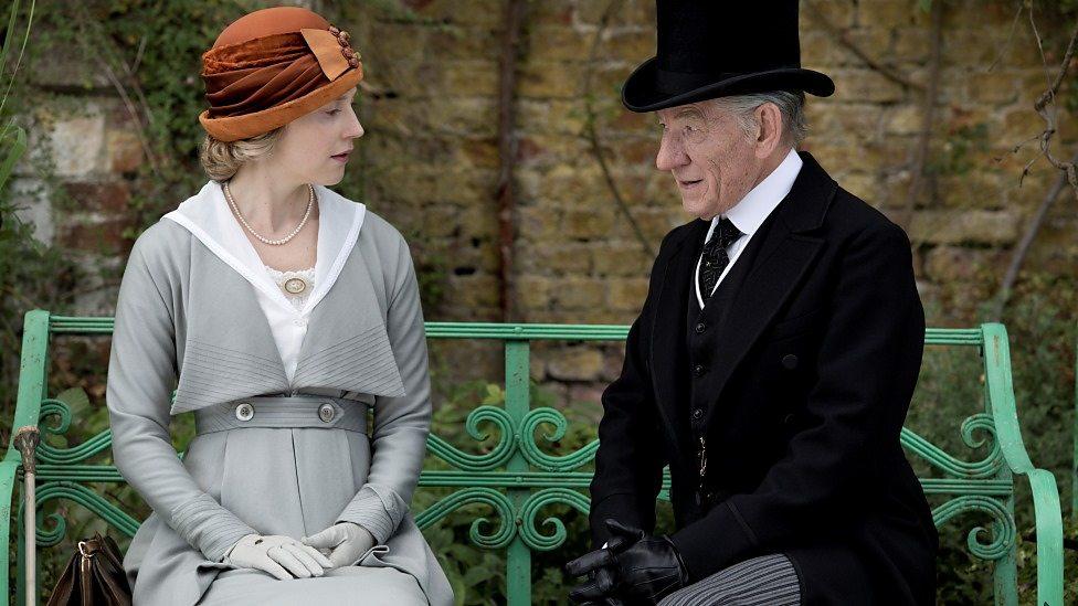 Hattie Morahan et Ian McKellen dans Mr Holmes