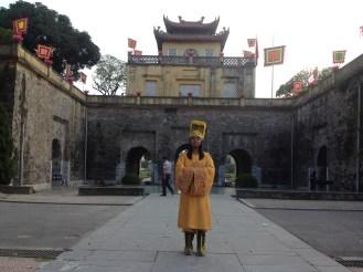 Kuya Karlo wearing the Emperor's attire