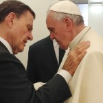(RNS1-JULY 8) Kenneth Copeland prays with Pope Francis at the Vatican on June 24, 2014. For use with RNS-ROBISON-POPE transmitted July 8, 2014. RNS photo courtesy Kenneth Copeland Ministries