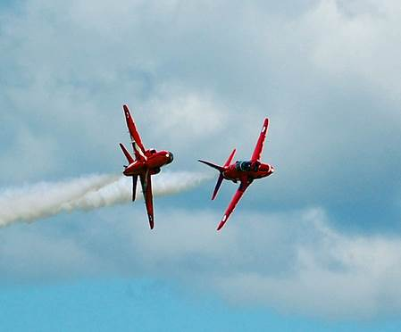 RAF Red Arrows Synchro Break (Image: Aviation Media Agency)