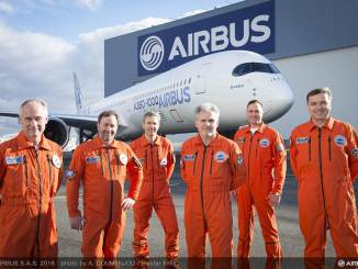 Airbus A350-1000 First flight crew (Image: Airbus)
