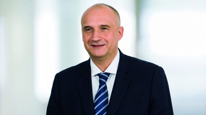 Airbus appoints sales chief to replace John Leahy