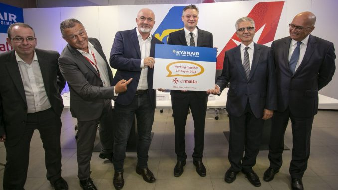 Ciaran Brannigan (Ryanair), Paul Sies (Air Malta), David O'Brien (Ryanair), Hon Dr. Kondrad Mizzi (Minister for Tourism) and Dr. Charles Mangion (Air Malta)
