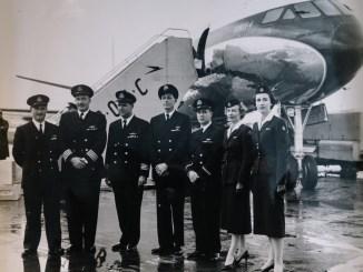 Peggy Thorne with the crew of the first transatlantic jet engine flight (C) British Airways