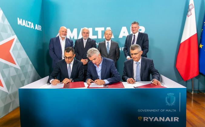 L-R: Ronald Mizzi, Government of Malta, Ryanair CEO, Michael O'Leary and Malta Air Travel Ltd's Paul Bugeja