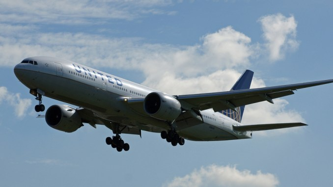A United Airlines Boeing 777