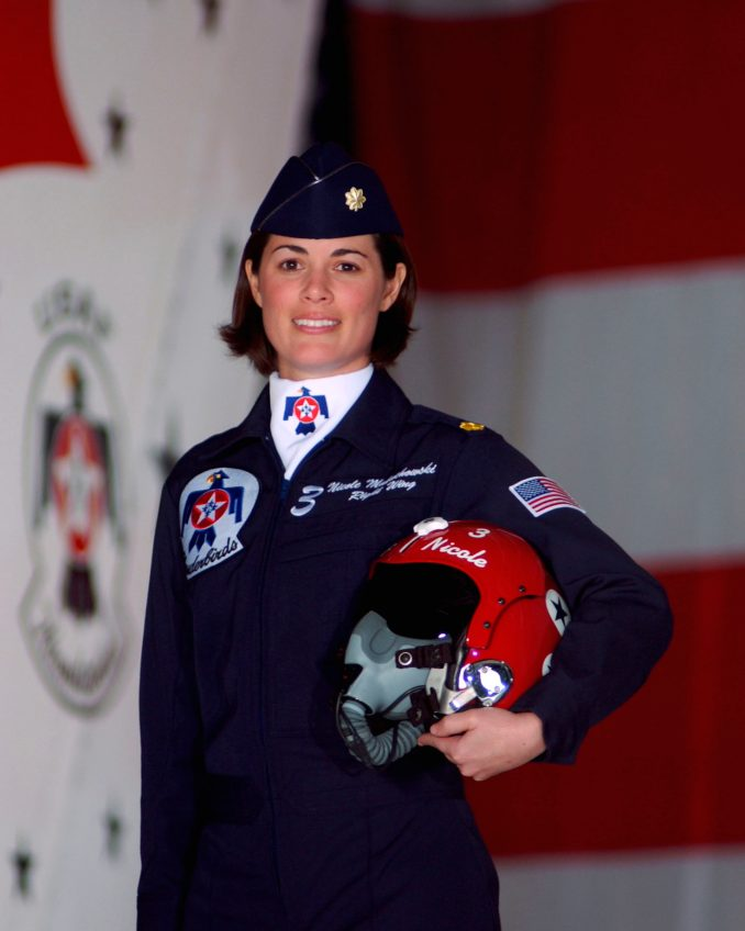 Col Nicole Malachowski (at the time Maj) - [Image: USAF/PD]