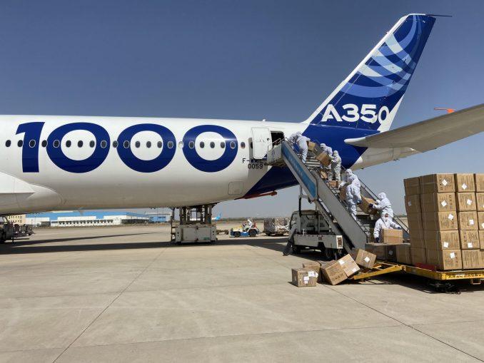 A350-1000 cargo loading in Tianjin_
