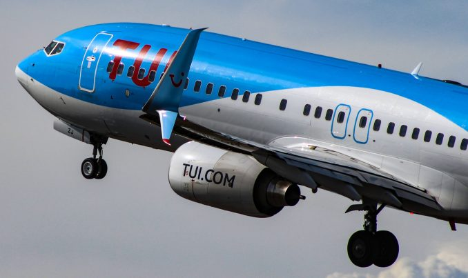 Tui Airways UK Boeing 737-800