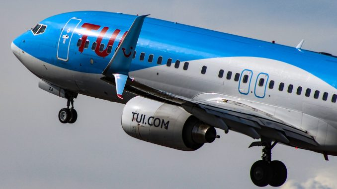 Tui Airways UK Boeing 737-800