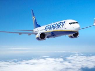 Ryanair Boeing 737 8-200