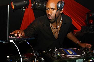booking-agent-DJ-Spoony