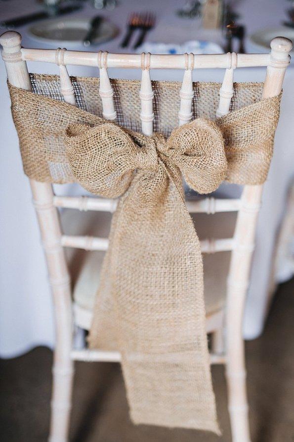 hessian bow, rustic wedding, wedding seating