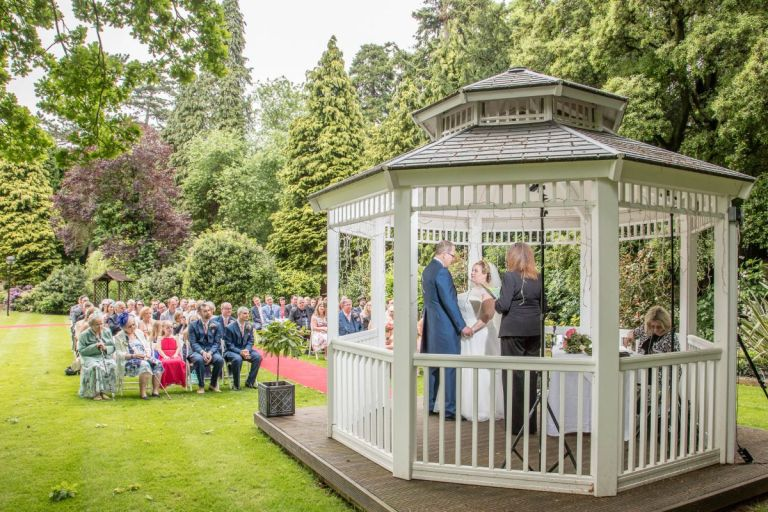 And this stunning outdoor wedding!