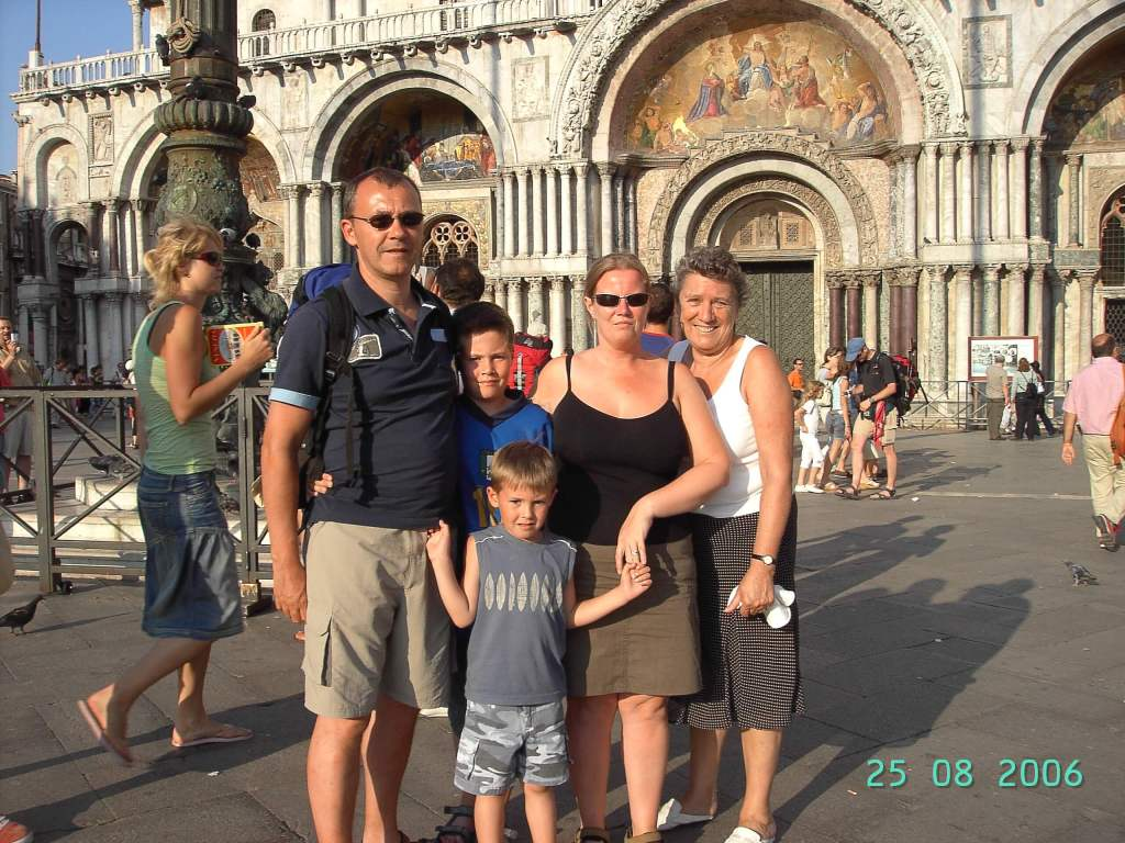 a family of 5 at St Mark's Basilica