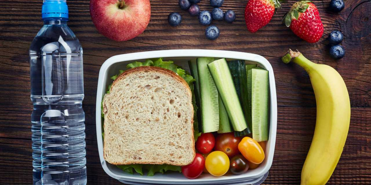 Healthy Tips for Packing School Lunch on a Budget