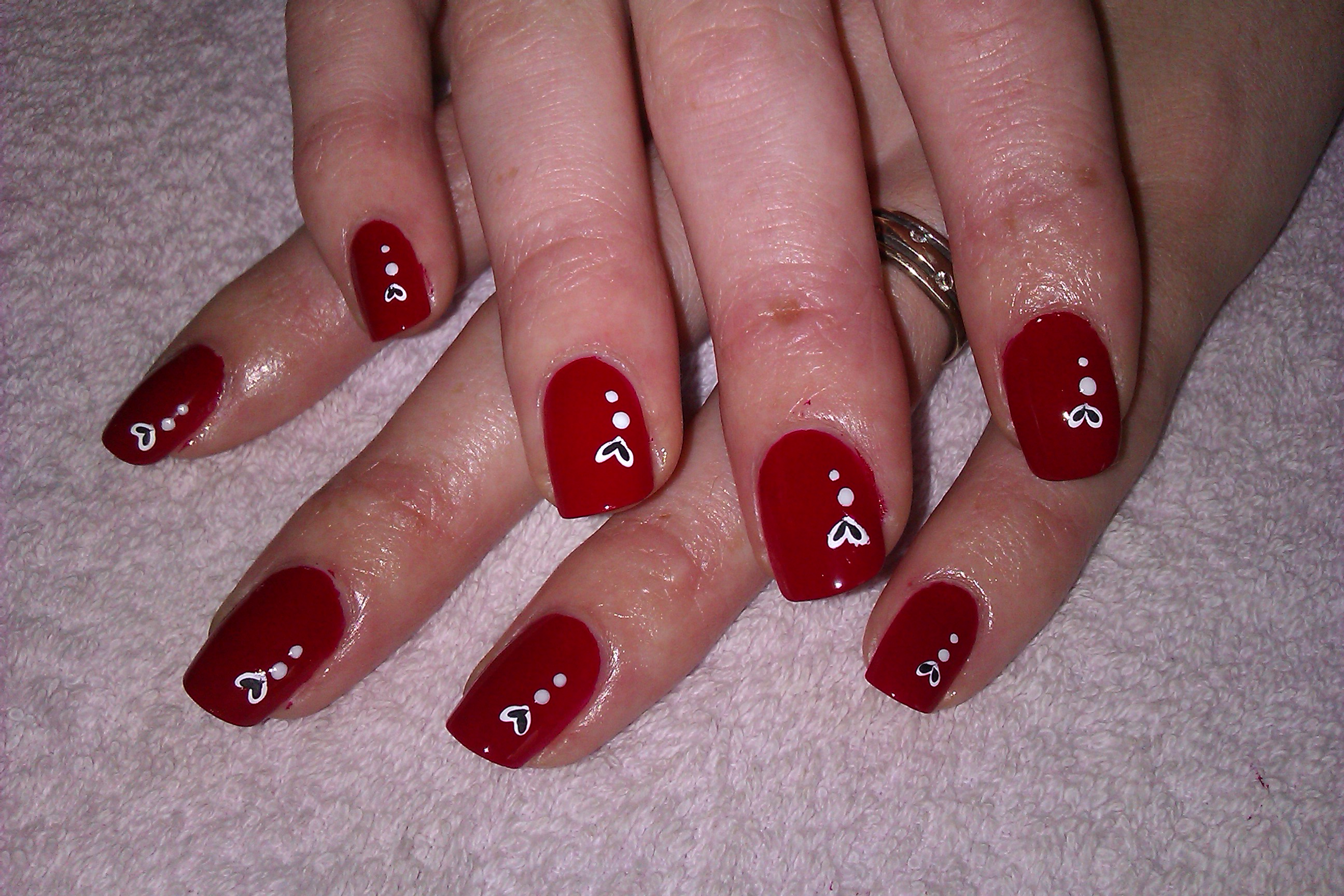 Red White And Gold Glitter With Chevron Nail Art Design View Images