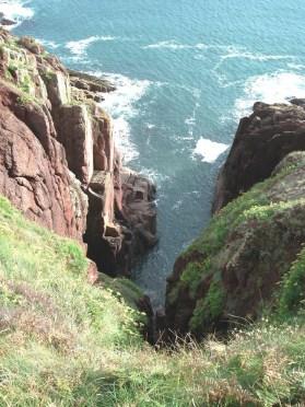 Deep gully - cliff path