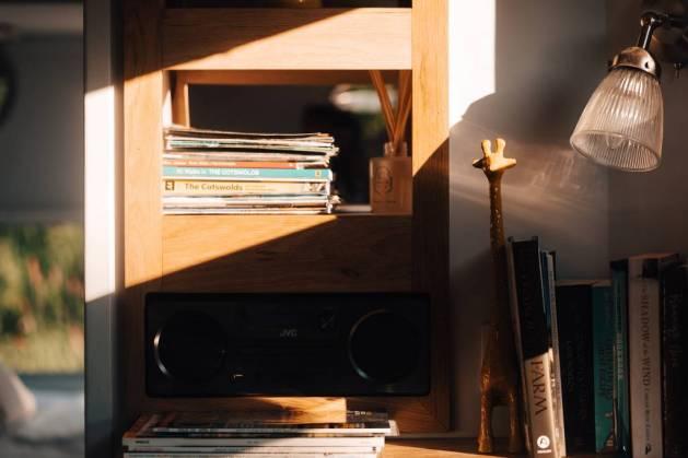 GeorgeClarke'sAmazingSpacesKnightCaravanTheGlampingOrchard0143