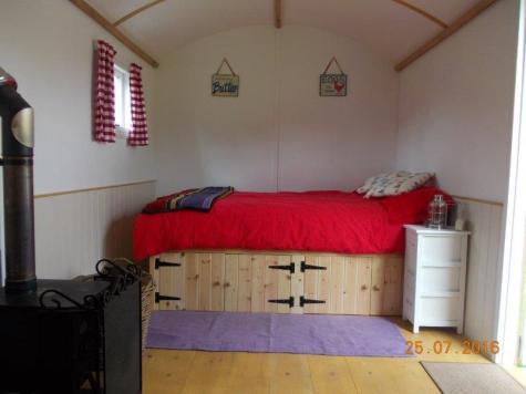 Hut double & woodburner