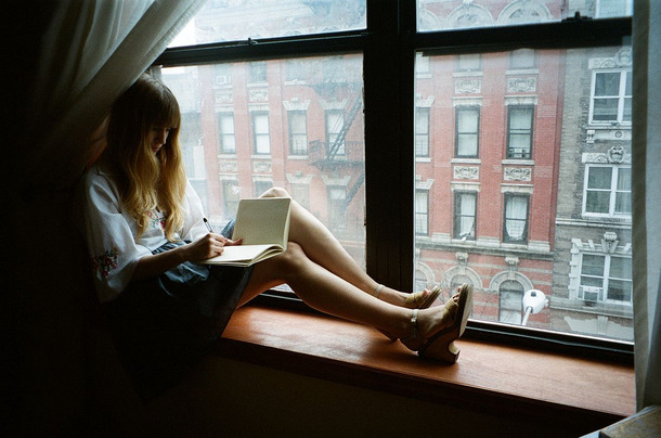 These tips to survive a long distance relationship will help you two make it.