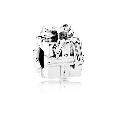 A very pretty Pandora charm you'll love