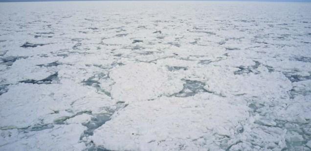砕氷船「おーろら」 ~白銀の幻想海原への航海~