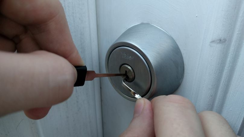24h Emergency Locksmiths services.