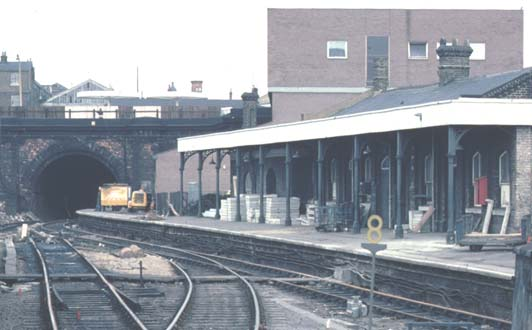Class 31215 Comes Into York Road Station