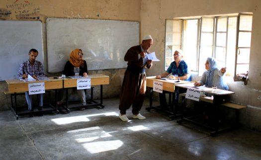 A man arrives to vote during Kurds independence referendum in Kirkuk