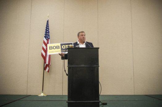Боб Отт учит, как выиграть выборы. Фото: Давид Кравчик