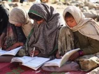 В Афганистане в школе для девочек 40 детей отравились газом