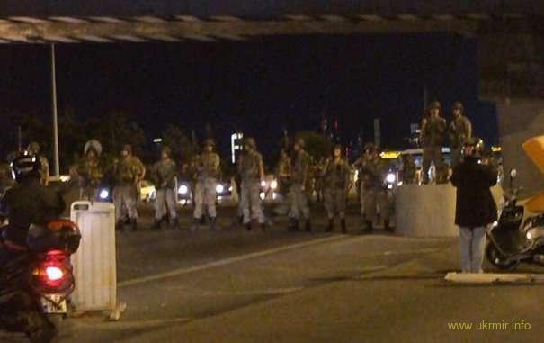 В Турции начался военный переворот : Генштаб захватил власть (ВИДЕО)