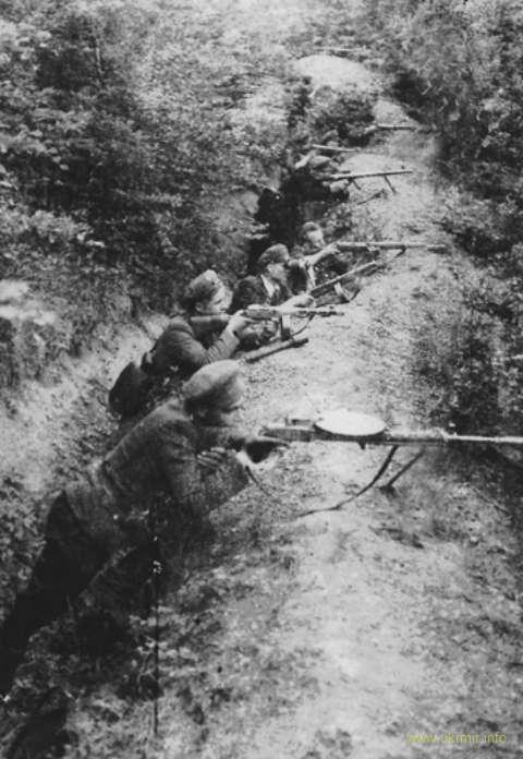 К бою готовы! Повстанцы на позициях. Источник: Архив ЦИОД